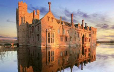 POSTS FEATURE PICTURES-Oxburgh Hall